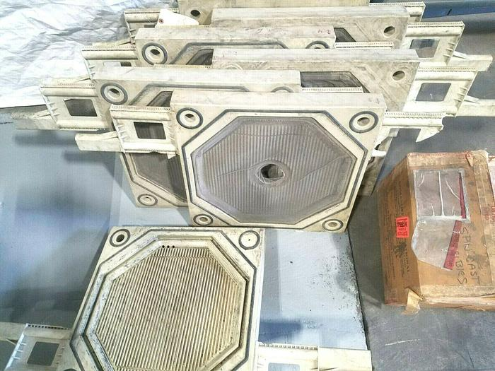 Used 470 MM Gasketed Filter Press Plates - Set of 7 one price! Filterpress