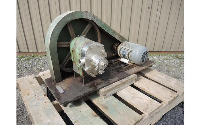 "USED TRI-CLOVER ROTARY LOBE PUMP, 1.5"" INLET & OUTLET, STAINLESS STEEL"