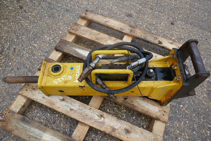 Used ARROWHEAD S20 HYDRAULIC BREAKER