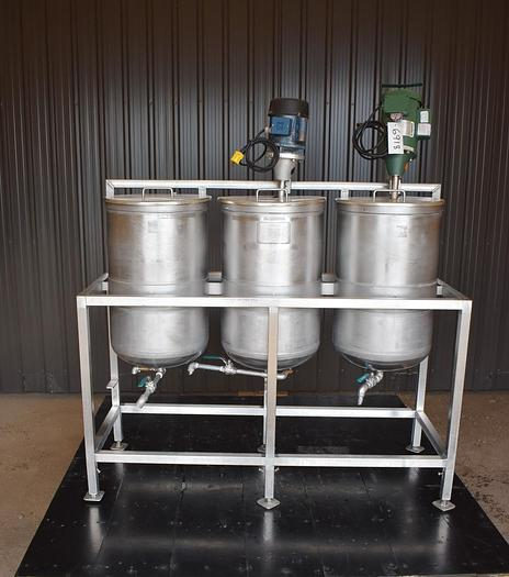 Used USED 75 GALLON (3 X 25 GALLONS) STAINLESS STEEL TANK, WITH MIXERS