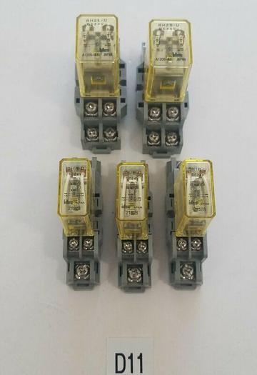 Used MIXED LOT: 2 IDEC RH2B-U Relay 24V w/ SH2B-05 IDEC Relay Socket & 3 RH1B-U 24V