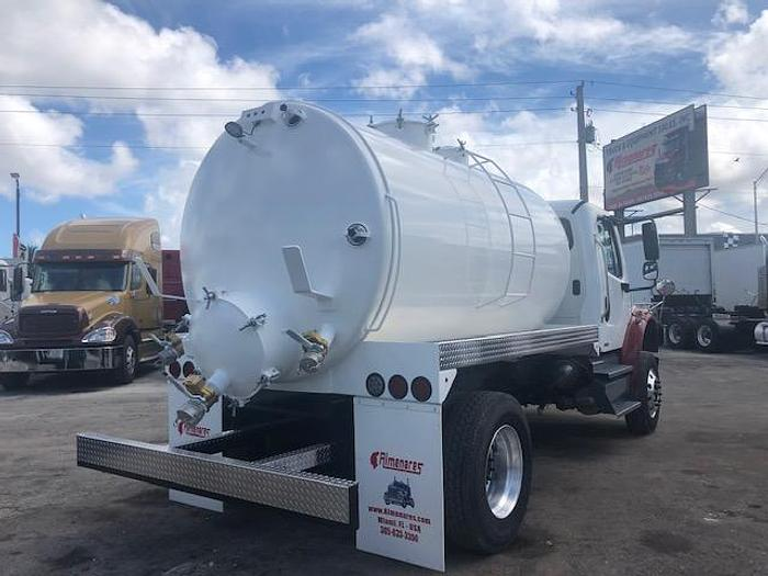 2011 FREIGHTLINER M2106 SEPTIC TRUCK 2500 GALLONS