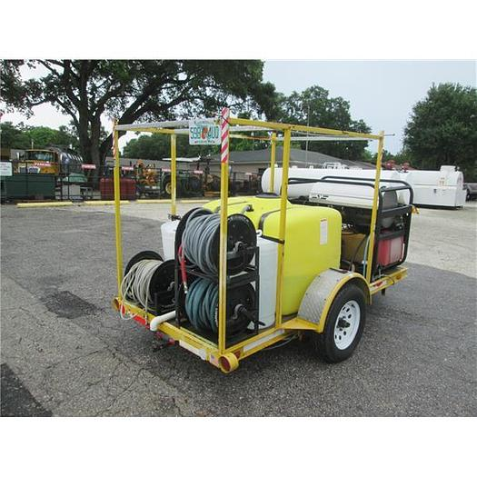 Mobile pressure washing package