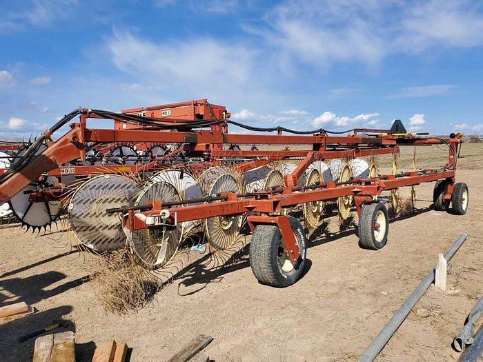 Used Hesston 3986 Wheel Rake