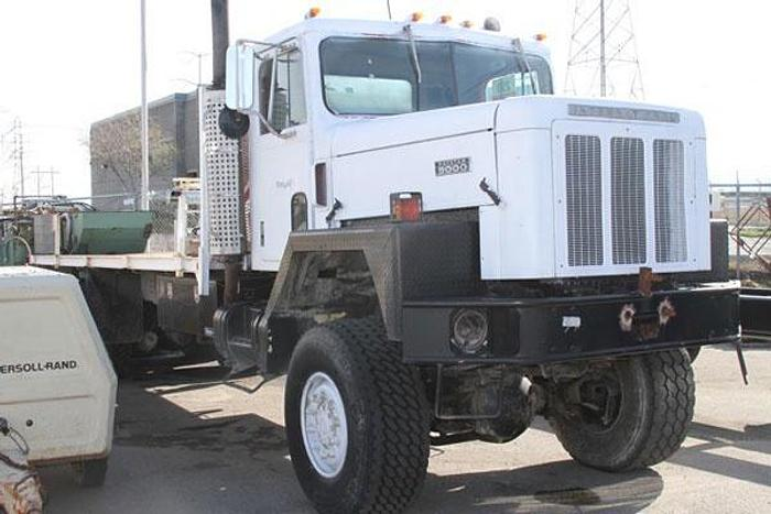 Used HB10405 International Straight 6x6 Chassis