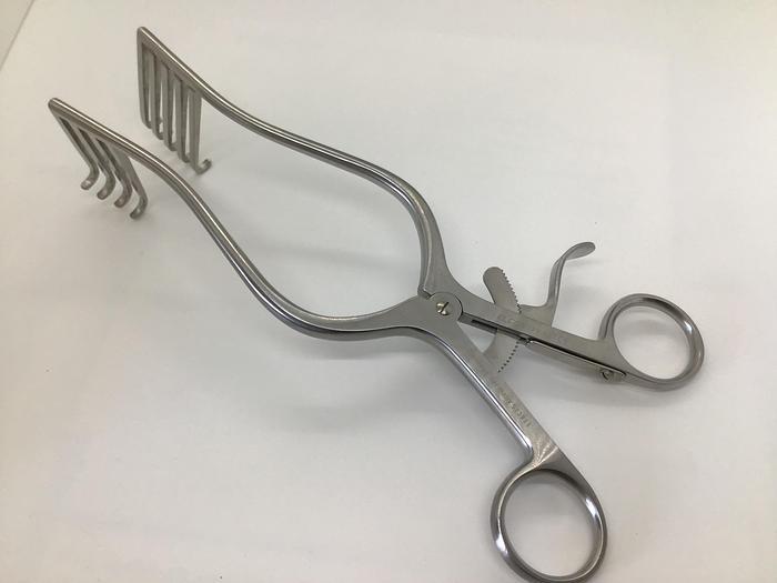 Elcon Retractor Self Retaining Norfolk and Norwich 4 X 5 Teeth 50mm Blades x 220mm  Long 170-507