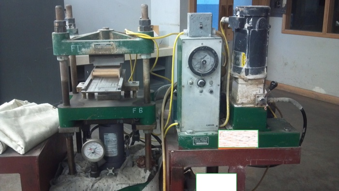 25 Ton Carver Lab Press 2702