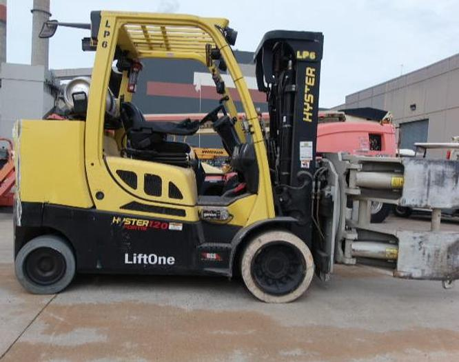 "Used 12,000 POUND ROLL CLAMP FORKLIFT TRUCK W/ 60"" DIAMETER CASCADE ROLL CLAMP ONLY 950 HOURS"