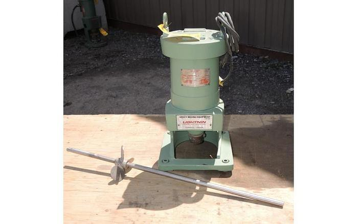 Used USED LIGHTNIN TOP ENTRY MIXER, MODEL NLD 25, 0.25 HP