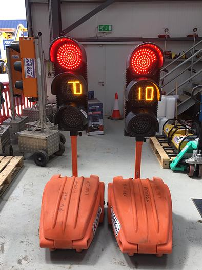 Used DIABOLUX Portable Traffic Lights
