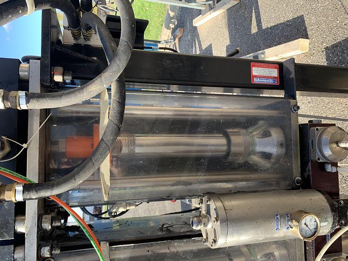 SEALANT EQUIPMENT & ENGINEERING SERVO DRIVEN ROBOTIC SEALANT APPLICATOR PUMP WITH DUAL PUMPS