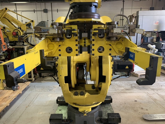 FANUC M900iA/600 6 AXIS CNC ROBOT WITH R30iA CONTROLLER in