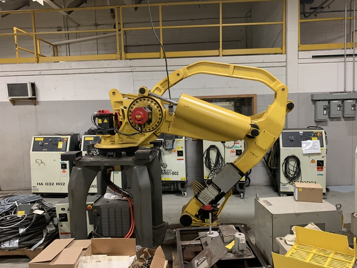 FANUC M410iB/160 PALLETIZING ROBOT WITH RJ3iB CONTROLLER 160KG X 3140 MM REACH