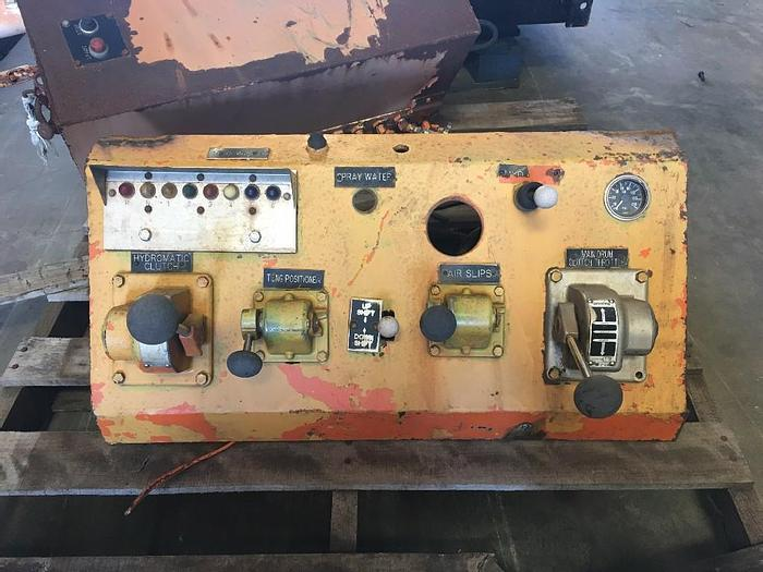 Used USED WORKOVER RIG CONTROL PANEL MAIN DRUM CONTROL, TONGS, HYDROMATIC BRAKE, AIR SLIPS.