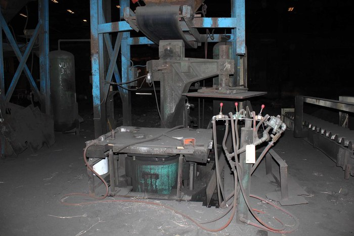INTERNATIONAL TYPE PVKL JOLT SQUEEZE MOLDING MACHINE