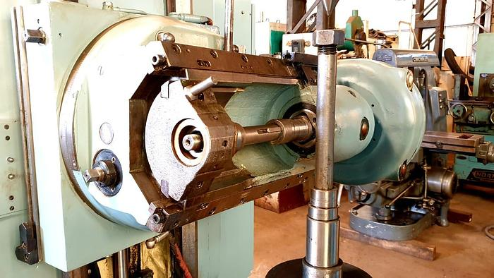 Cugir FD500 Gear Hobbing Machine