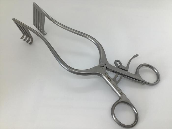 Retractor Self Retaining Laminectomy Norfolk and Norwich 4 in 5 Teeth 210mm (8-1/2in) AESCULAP BG-330-01-J