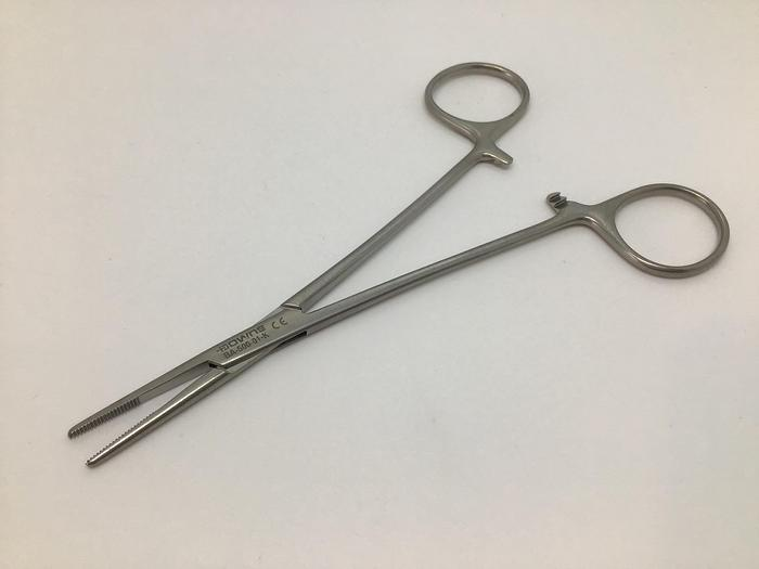 Forceps Artery Cairns Straight 146mm
