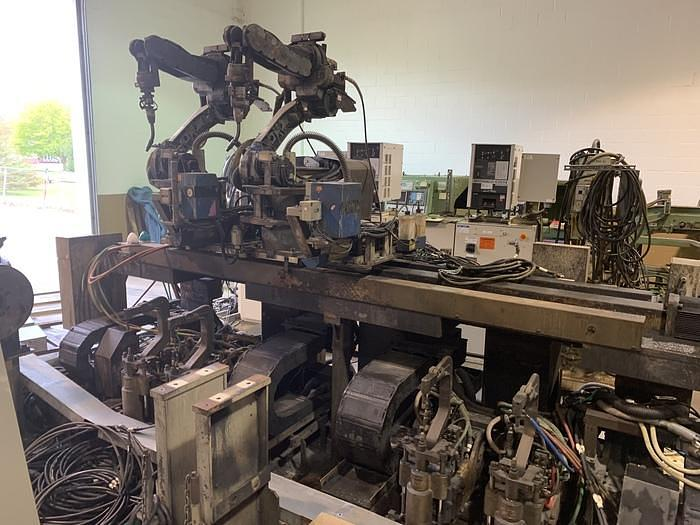 2005 MOTOMAN EA1400N 3KG X 1390MM REACH 6 AXIS CNC ROBOTIC DUAL ARM DUAL TRUNION WELD CELL EA1400N