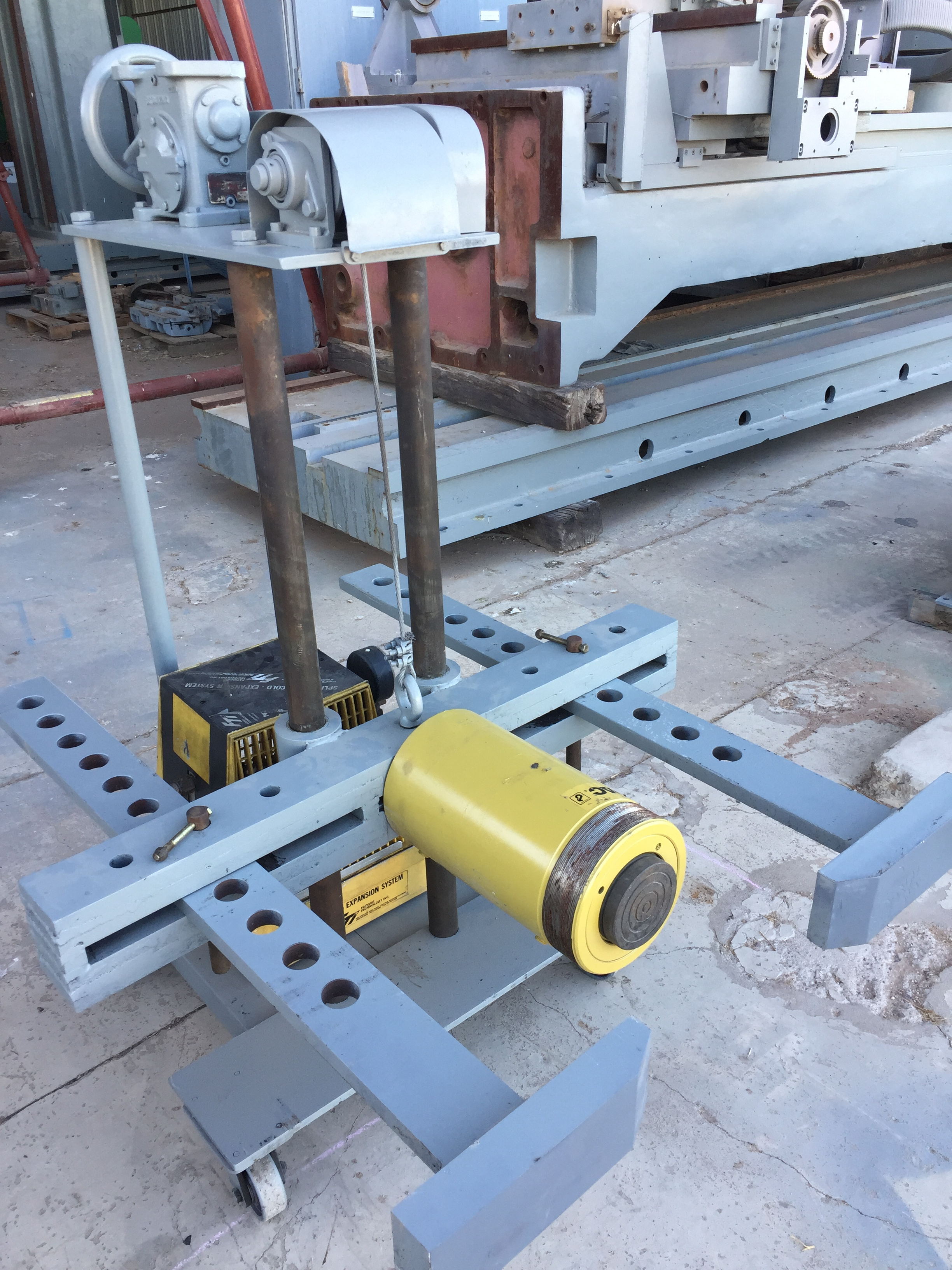 Used 150 Ton Industrial Gear / Wheel Puller