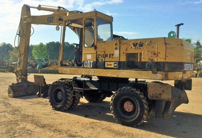 Used 1994 CATERPILLAR 214B FT