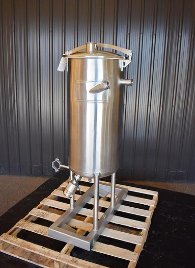 Used USED 30 GALLON TANK, STAINLESS STEEL, SANITARY
