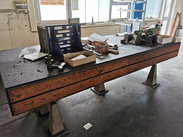 Gebraucht Granit Messtisch mit T-Nuten Maße 3000 X 1250mm