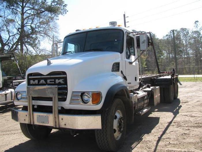 Used 2005 MACK CV 713 Granite