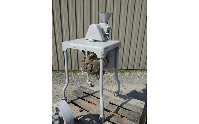 USED IMPACT LABORATORY MILL, CARBON STEEL, 0.75 HP