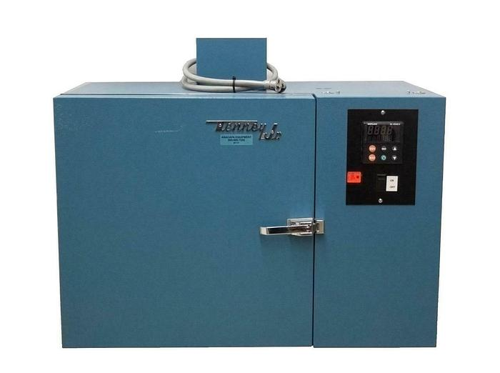Used Tenney Jr. TJR Benchtop Environmental Test Chamber -65 C to 200 C (9117)R