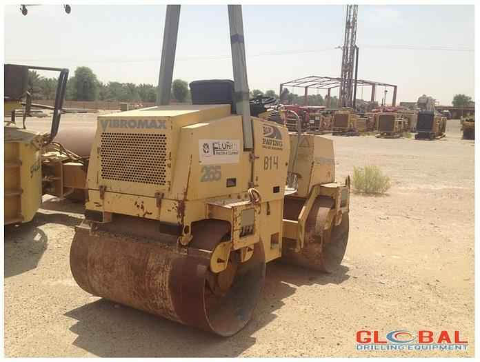Used Item 0800 : 2005 Vibromax W265 Compactor (Roller)
