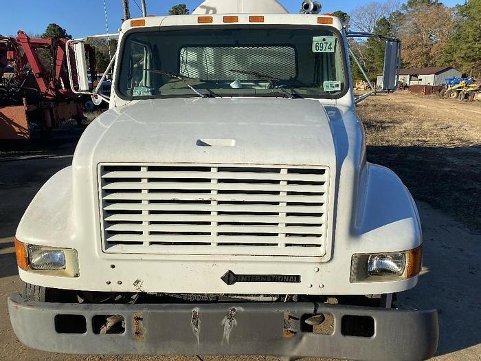 Used 1999 INTERNATIONAL 4700