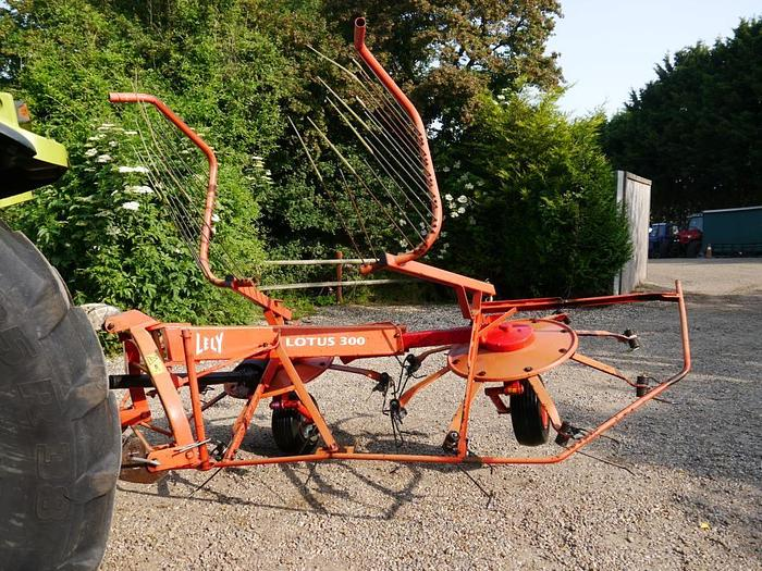 Used Lely Lotus 300 Tedder Rake