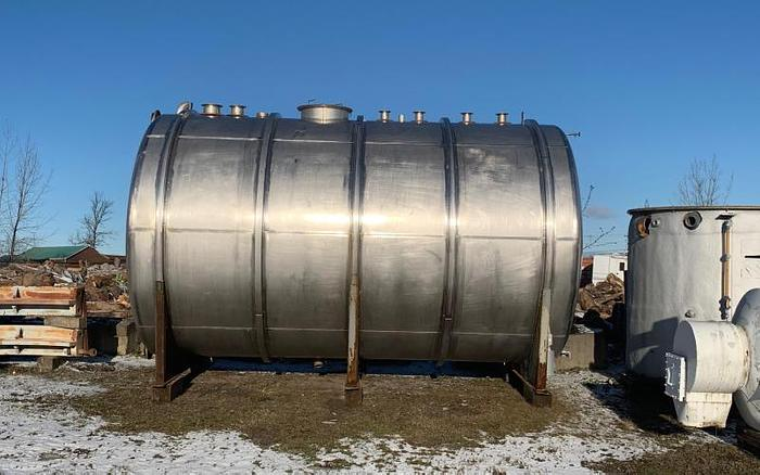 USED 9600 GALLON TANK, STAINLESS STEEL, HORIZONTAL