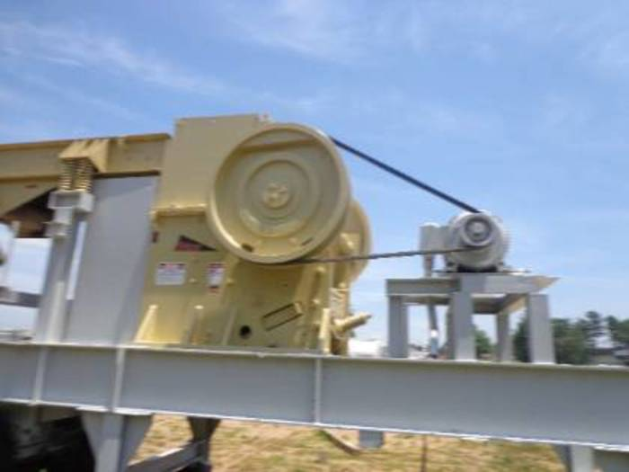 2000 TRIO 3242 Jaw Crusher