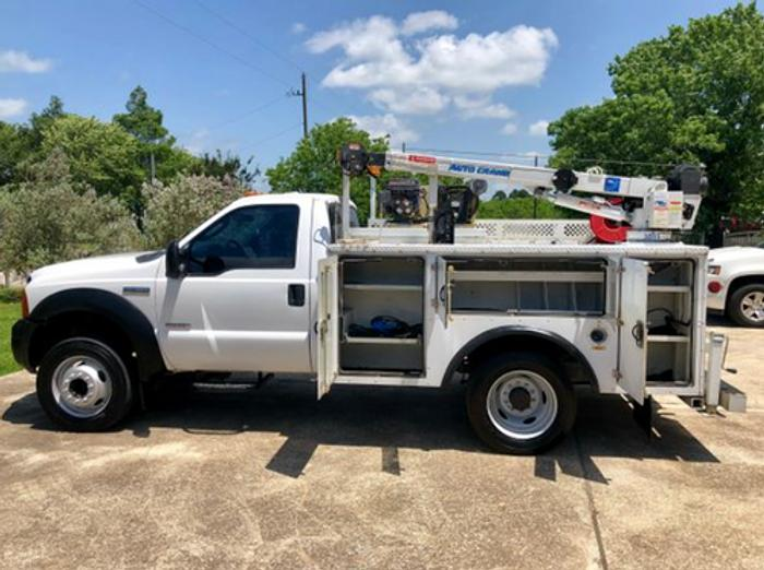 2005 Ford F550 Service Truck