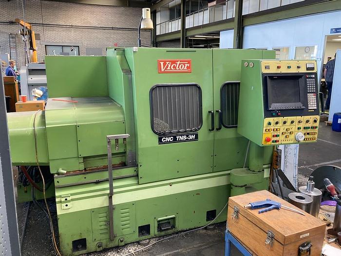 Gebruikt Victor CNC TNS-3H