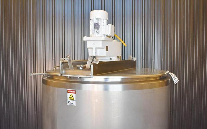 USED 200 GALLON JACKETED TANK (KETTLE), STAINLESS STEEL, WITH SCRAPE AGITATION