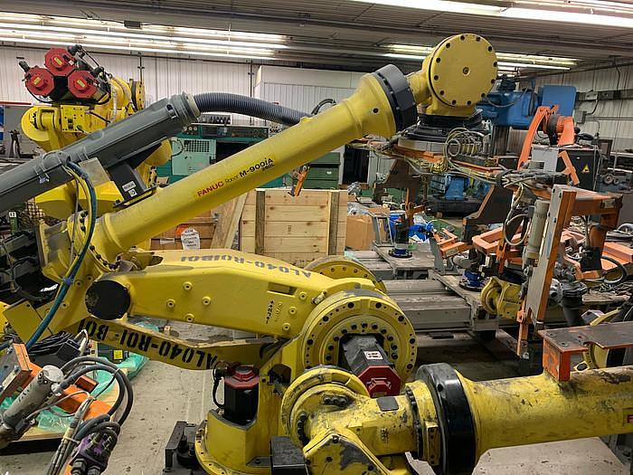 Used 2011 FANUC  M900iA/260L 6 AXIS CNC ROBOT WITH R30iA CONTROLLER