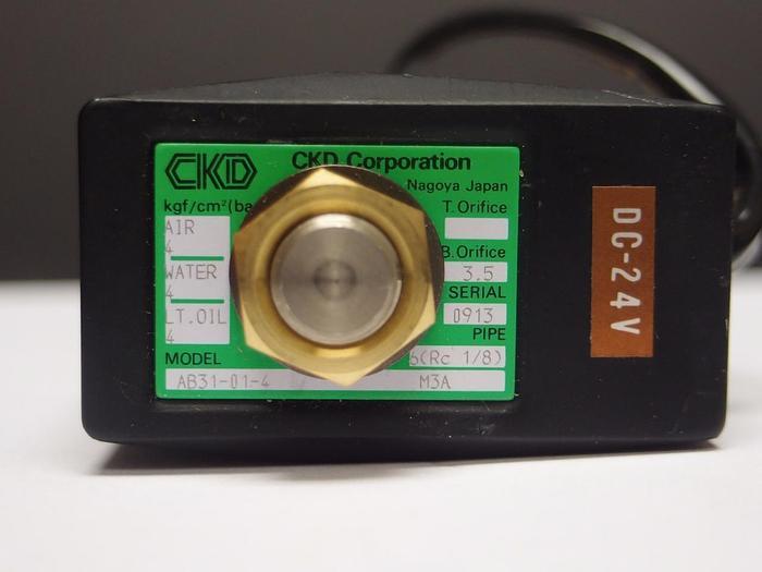 Used CKD AB31-01-4 Solenoid Valve 56.8 psi 24 VDC Lot of 32 (3878)