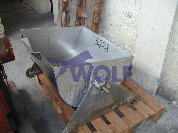Gebraucht Massewagen in V2A-Stahl ausgeführtInnen ca. 880 x 900 x 350 mm tief.