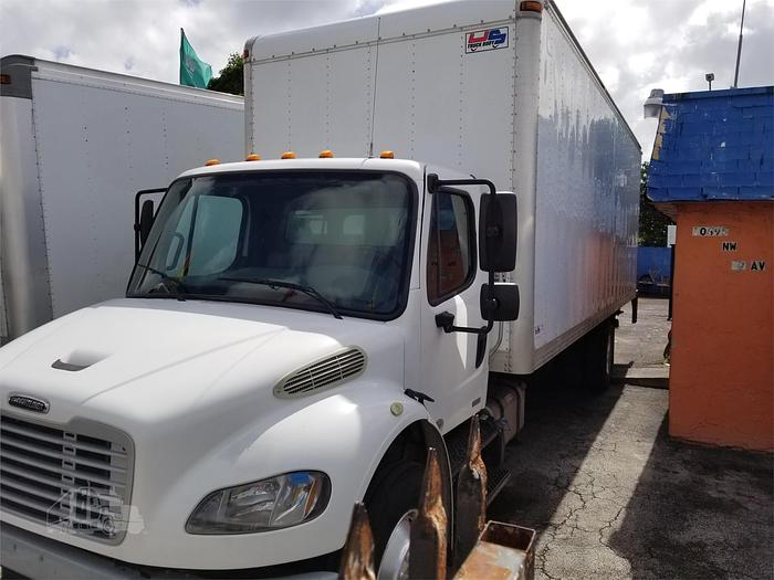 2012 FREIGHTLINER BUSINESS CLASS M2 106 BOX TRUCK