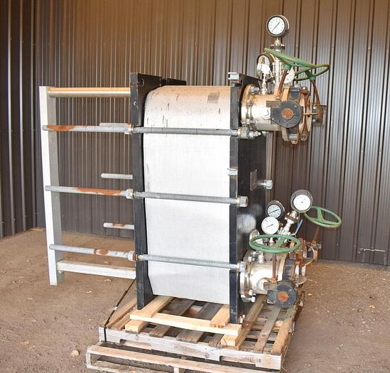Used USED API PLATE HEAT EXCHANGER, STAINLESS STEEL,  753 SQ.FT.