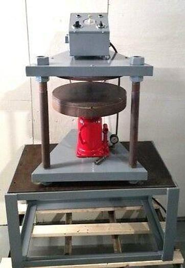 Used 18 Inch Vulcanizer makes Spin Casting Rubber Molds Hydraulic Press Autoclave