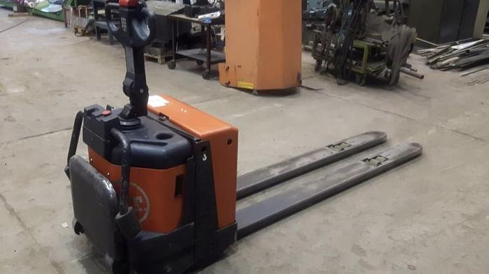 Używane Wózek widłowy elektryczny  BT LPE200/8