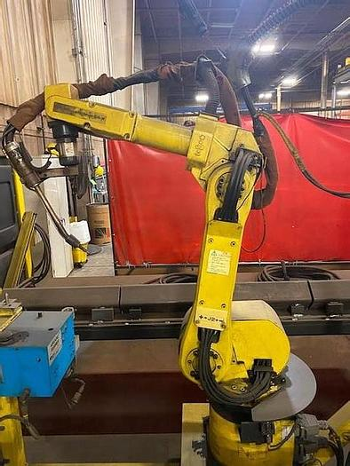 Used FANUC ARCMATE 100iB WITH R=-J3iB CONTROL, TORCH TIP, CABLES & TEACH PENDANT