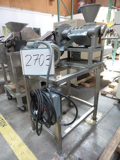 Screw Type Oil Press #2703