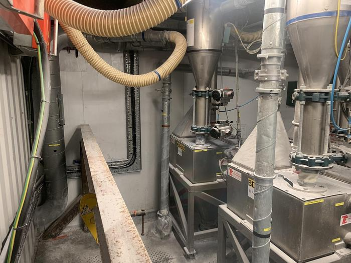 Used 2003 TELEMETER ENGINEERING  Powder Feed Hopper