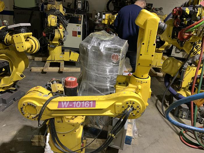 Used FANUC ARCMATE 120i 6 AXIS CNC ROBOT WITH RJ3 CONTROLLER