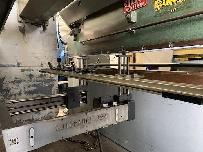 PACIFIC J90-10 HYDRAULIC PRESS BRAKE WITH PROGRAMMABLE BACKGAUGE